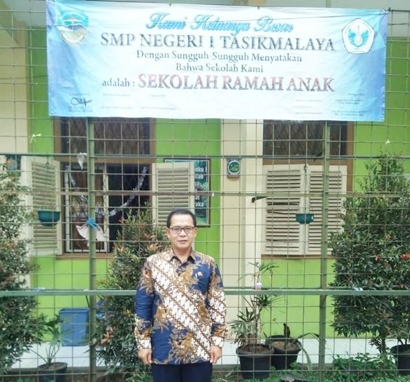 H. Cecep Susilawan, S.Pd., M.M Kepala SMPN 1 Tasikmalaya